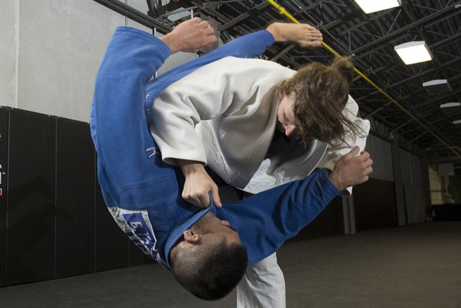 How security guards use verbal judo